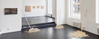 Näkymä Hanna Vahvaselän näyttelyyn. © Titus Verhe