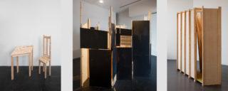 Teoskuvia Nora Tapperin Siivouskomero ja muita veistoksia -näyttelystä